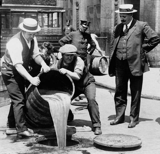 18.) During prohibition the government started poisoning beer, which led to thousands of deaths.