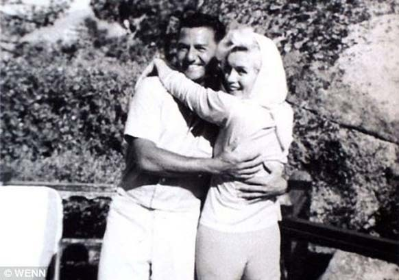 21.) Marilyn Monroe visited Frank Sinatra and Buddy Greco the weekend before her death on August 5, 1962.